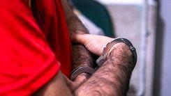 اراذل اوباشی که اقدام به کودک آزاری هوادار تیم استقلال داشت دستگیر شد + فیلم