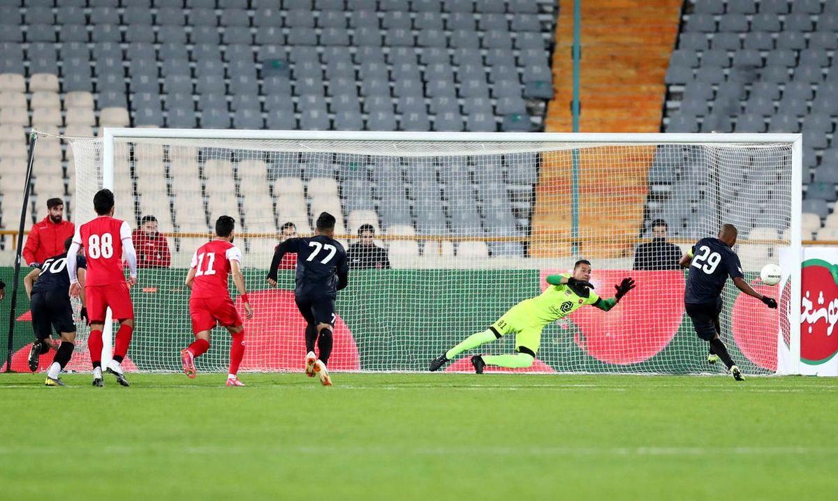 بازگشت گربه سیاه پرسپولیس به ترکیب حریف تیم گل محمدی