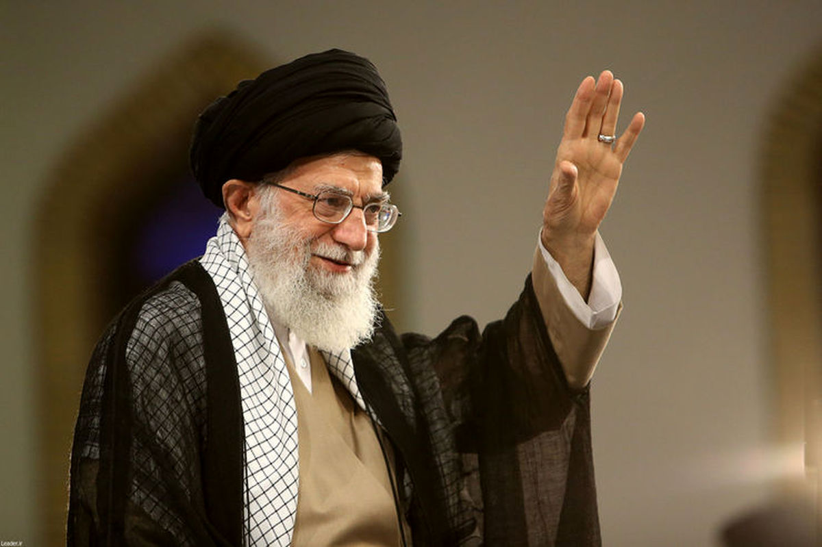 رهبر انقلاب به طرفداری از ظریف برخاست