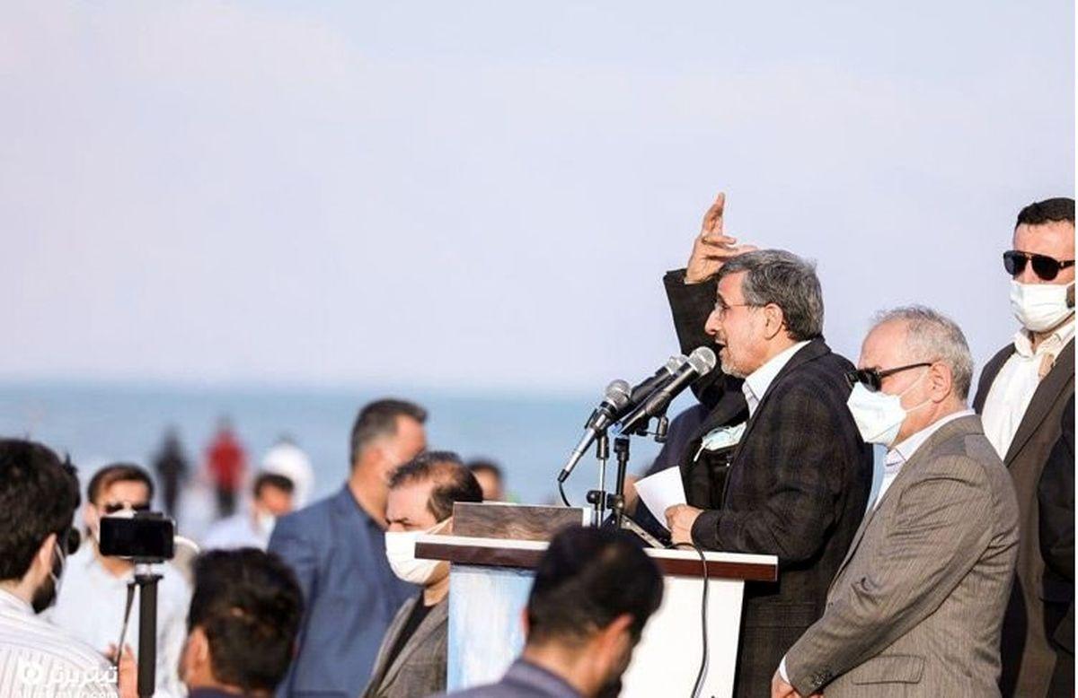 محمود احمدی نژاد ساحل بوشهر را به هم ریخت! + عکس ها