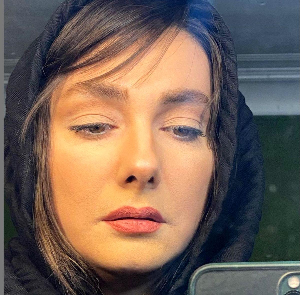 ژست خاص هانیه توسلی در تئاتر