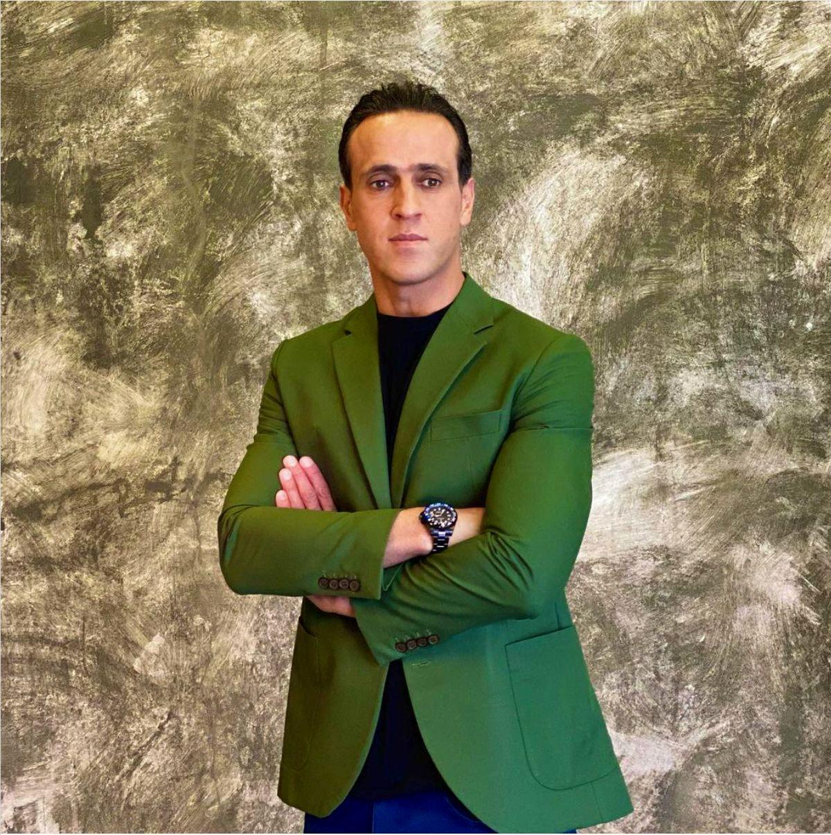 واکنش دلاوری به حمله به علی کریمی برای قبض برق نجومی اش / ویدئو