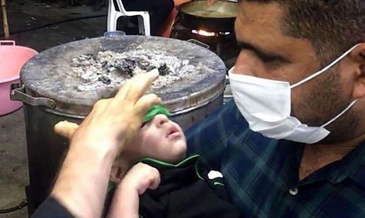 کودک نابینا در حرم امام حسین شفا گرفت