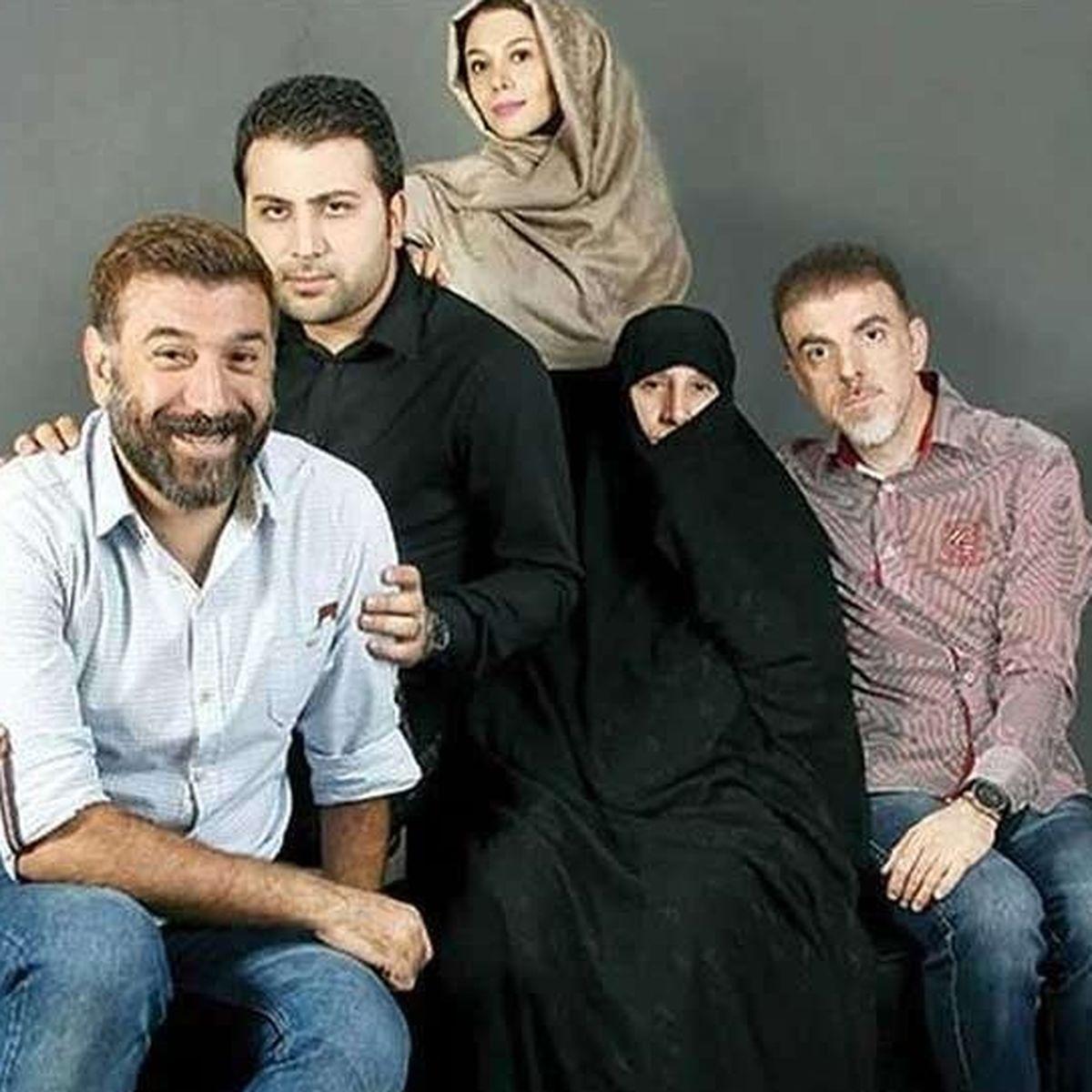 بی تابی های خواهر مرحوم علی انصاریان بر سر مزار + عکس دیده نشده