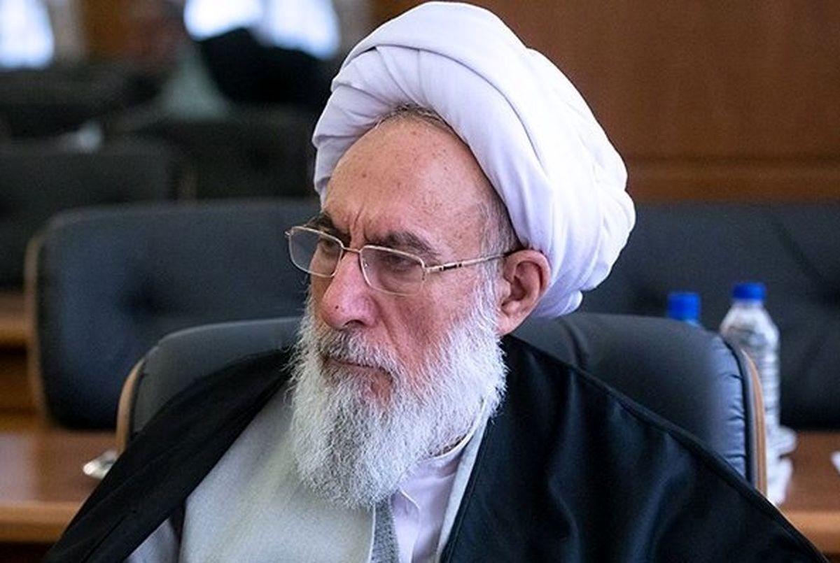 ماشین خارجی سوار شدن در جمهوری اسلامی زننده است!|